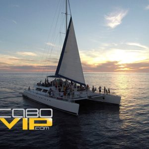 rent a yacht in los cabos