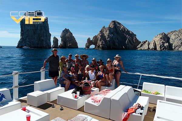 Catamaranes para toda ocasión en Los Cabos