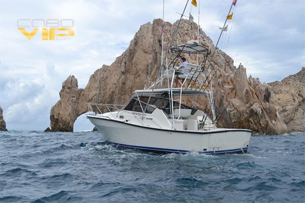 Pesca en Los Cabos abordo de Yate de Lujo