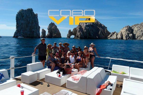 Mejores tours en Yate en los Cabos San Lucas - CaboVip