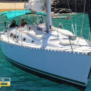 Barco velero moderno para pasear en Los Cabos 42